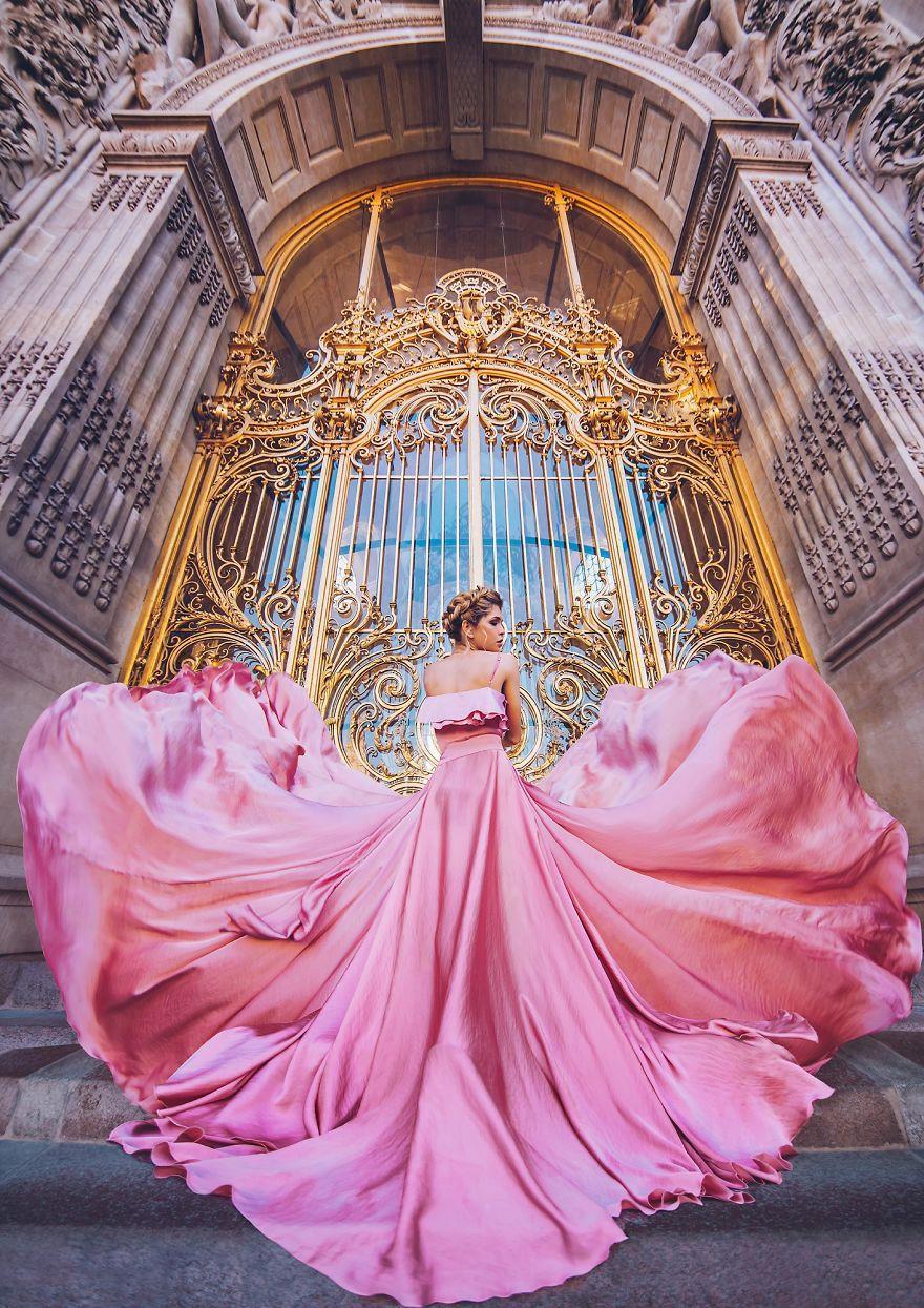 Chuyến chu du khắp thế gian của những bộ váy lộng lẫy - Ảnh 18.