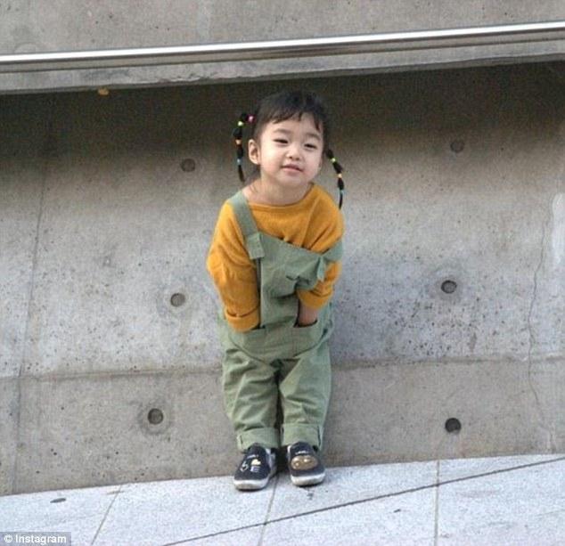 Ai là nhân vật đứng phía sau những nhóc tỳ sành điệu tại Tuần lễ thời trang Seoul? - Ảnh 10.