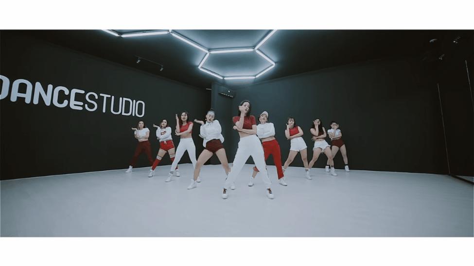 Mừng MV đầu tay cán mốc 3 triệu views, Chi Pu tiếp tục tung bản Dance MV khoe 100% vũ đạo - Ảnh 2.