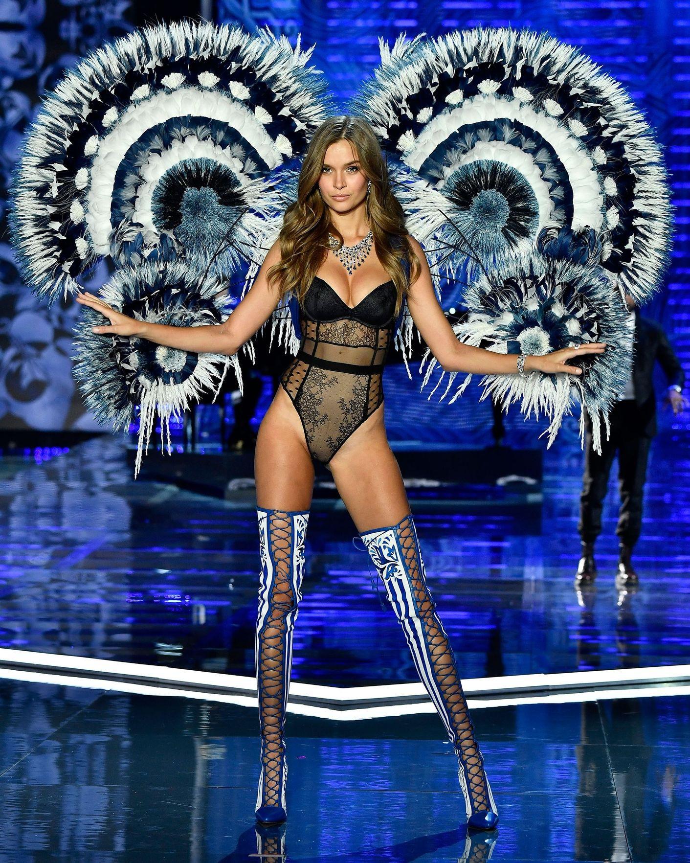HOT: Victorias Secret Fashion Show 2017 đẹp ngoài sức tưởng tượng, Lais Ribeiro quá lộng lẫy với Fantasy Bra 2 triệu USD - Ảnh 11.