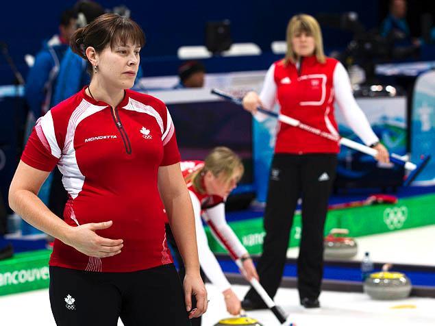 6 nữ VĐV đang mang bầu vẫn thi đấu thể thao - Ảnh 4.