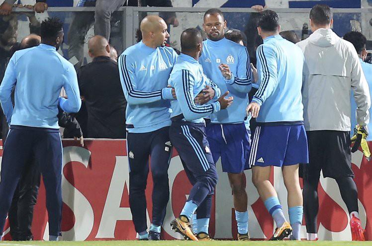Evra bị treo giò 7 tháng, bị Marseille hủy hợp đồng: Đạp một phát, tan nát luôn sự nghiệp - Ảnh 3.