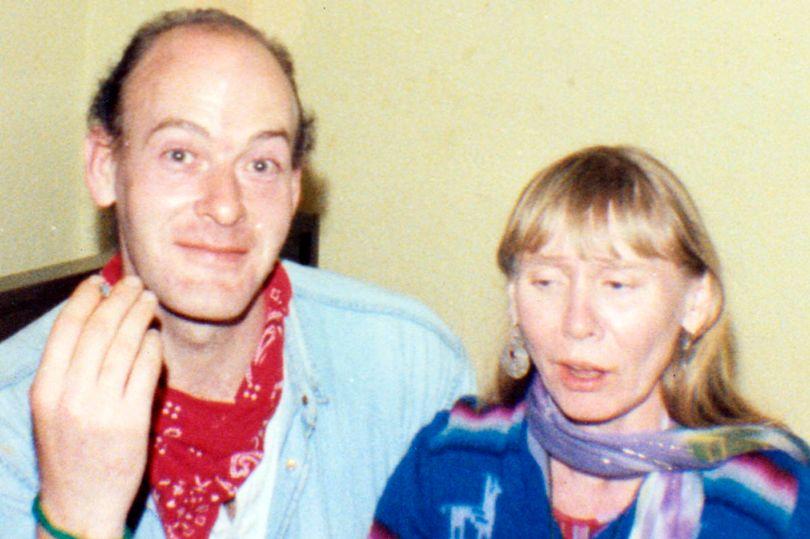 Ký ức kinh hoàng của người phụ nữ sống chung với kẻ sát nhân hàng loạt: Tôi ngỡ rằng mình đã chết rồi - Ảnh 1.