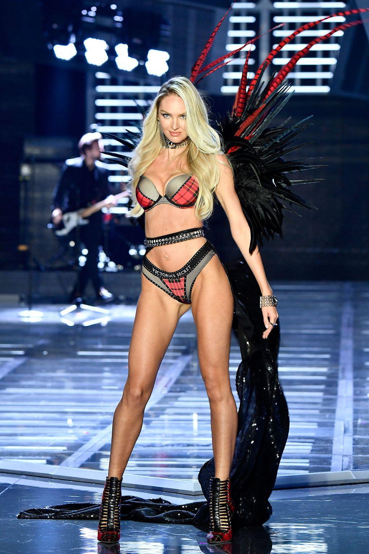 HOT: Victorias Secret Fashion Show 2017 đẹp ngoài sức tưởng tượng, Lais Ribeiro quá lộng lẫy với Fantasy Bra 2 triệu USD - Ảnh 48.