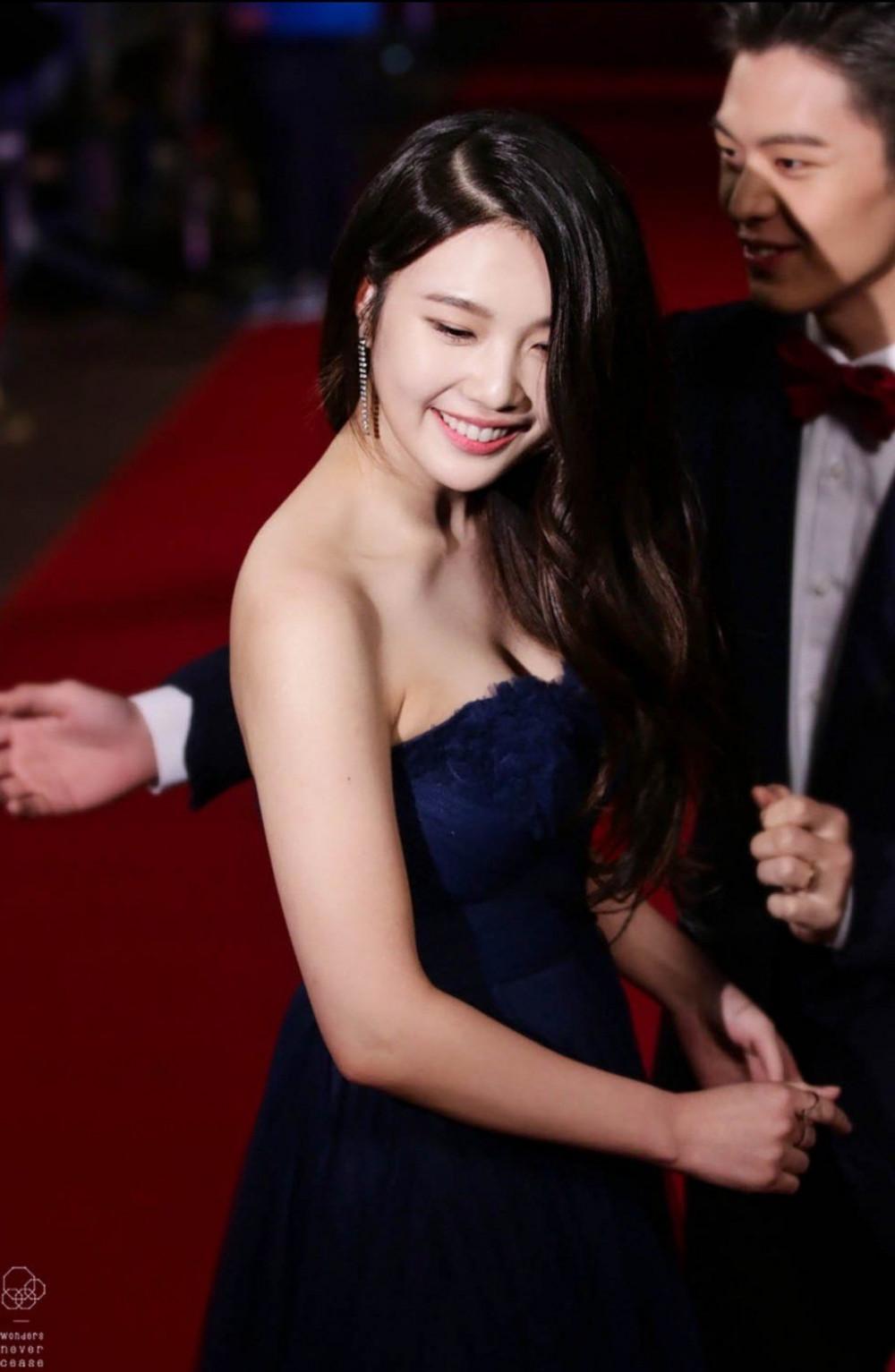 Người ta mải mê khen ngợi nữ thần Irene mà quên đi một mỹ nhân sexy khác của Red Velvet - Ảnh 9.