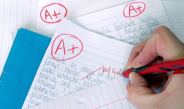 Nhiều trường học ở Úc, Mỹ đã có lệnh cấm giáo viên chấm bài bằng bút đỏ - lý do là vì.. - Ảnh 1.