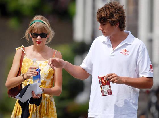Đây là tất cả những người từng được lên sóng trong các bài hát của Taylor Swift - Ảnh 40.