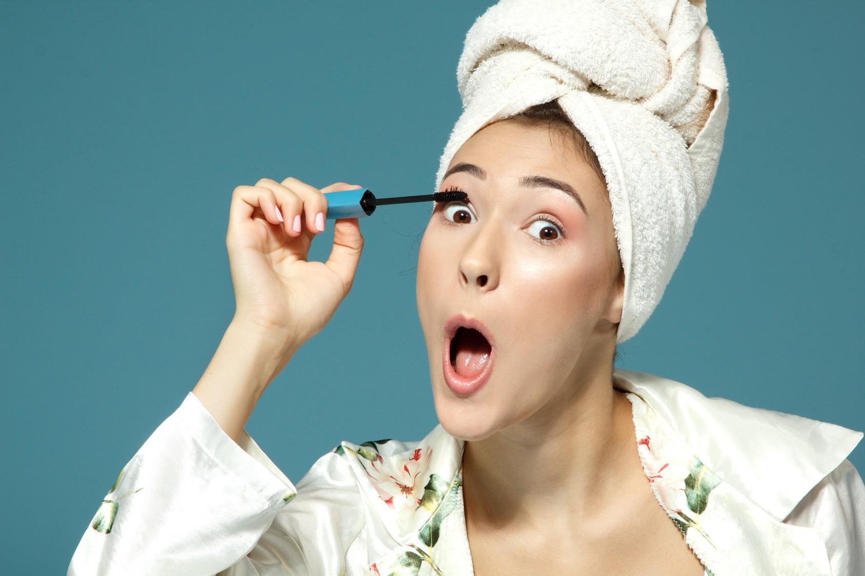99% phụ nữ chuốt mascara đều vô thức làm điều này, bạn sẽ cực bất ngờ khi biết đó là gì - Ảnh 3.