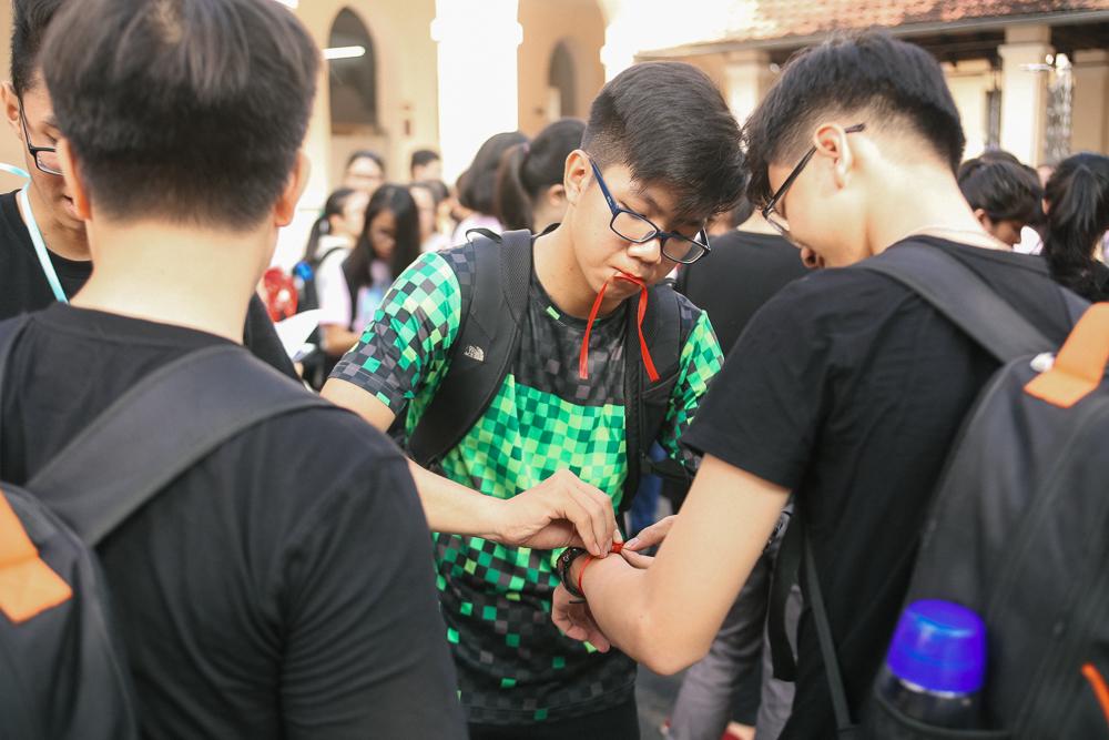 Nữ sinh lớp 12 trường chuyên Lê Hồng Phong rạng rỡ trong hội trại trưởng thành - Ảnh 10.