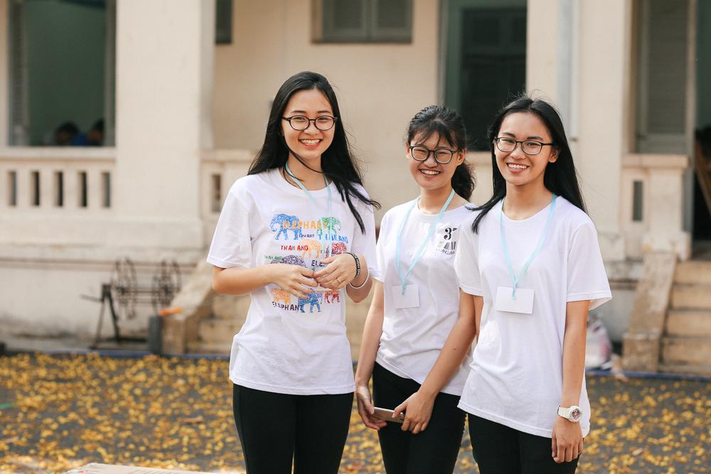Nữ sinh lớp 12 trường chuyên Lê Hồng Phong rạng rỡ trong hội trại trưởng thành - Ảnh 3.