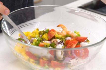 """Salad hải sản kiểu Tây Ban Nha - nhìn thì cầu kỳ nhưng làm """"nhanh như một cơn gió"""" - Ảnh 4."""