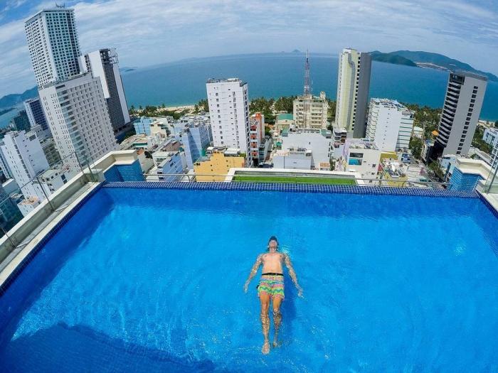 Bạn sẽ mê mẩn 3 hồ bơi tràn bờ biển siêu đẹp và rất gần Sài Gòn này mất! - Ảnh 28.