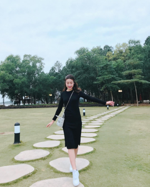 Đăng quang gần nửa năm, cả gia tài hàng hiệu của Hoa hậu Mỹ Linh vẫn chỉ vỏn vẹn... 2 chiếc túi - Ảnh 6.