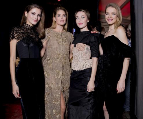 Tuần lễ Haute Couture: Nếu đời là một giấc mơ thì cứ mong mộng mị mãi đẹp thế! - Ảnh 10.