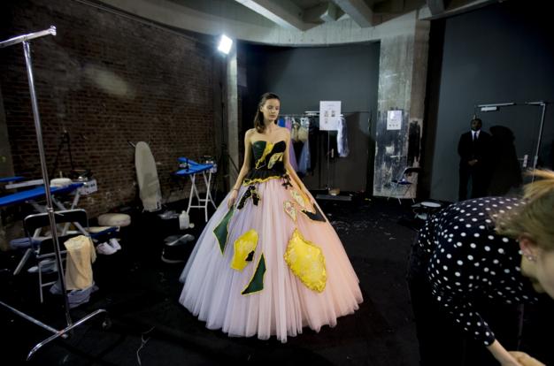 Tuần lễ Haute Couture: Nếu đời là một giấc mơ thì cứ mong mộng mị mãi đẹp thế! - Ảnh 11.