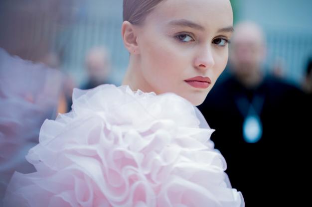 Tuần lễ Haute Couture: Nếu đời là một giấc mơ thì cứ mong mộng mị mãi đẹp thế! - Ảnh 24.