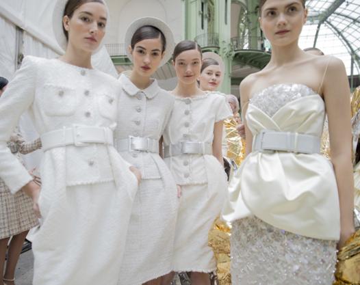 Tuần lễ Haute Couture: Nếu đời là một giấc mơ thì cứ mong mộng mị mãi đẹp thế! - Ảnh 28.