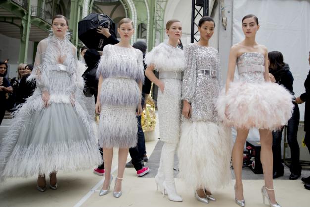 Tuần lễ Haute Couture: Nếu đời là một giấc mơ thì cứ mong mộng mị mãi đẹp thế! - Ảnh 29.