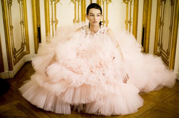 Tuần lễ Haute Couture: Nếu đời là một giấc mơ thì cứ mong mộng mị mãi đẹp thế! - Ảnh 36.