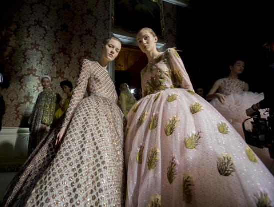 Tuần lễ Haute Couture: Nếu đời là một giấc mơ thì cứ mong mộng mị mãi đẹp thế! - Ảnh 41.