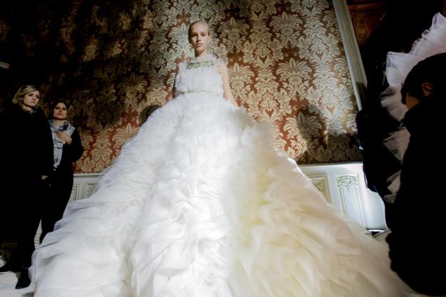 Tuần lễ Haute Couture: Nếu đời là một giấc mơ thì cứ mong mộng mị mãi đẹp thế! - Ảnh 42.