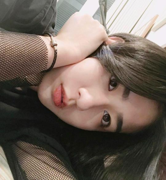 Không hoạt động showbiz, tại sao Trang Lou vẫn vượt mặt Châu Bùi, Sun HT trên Instagram? - Ảnh 7.