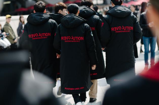 Seoul Fashion Week: nơi duy nhất mà street style phái mạnh trưng trổ đè bẹp cả cánh chị em! - Ảnh 15.