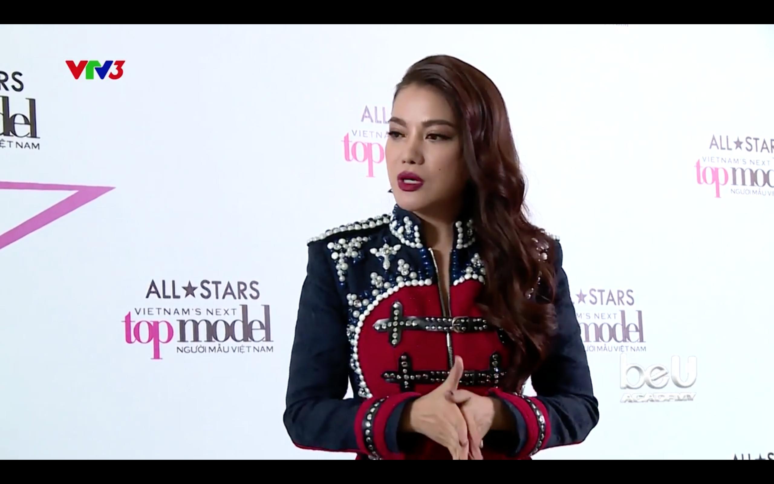 """Ơn giời, Host Trương Ngọc Ánh đã bắt đầu """"xuất chiêu"""" tại Next Top Model rồi! - Ảnh 4."""