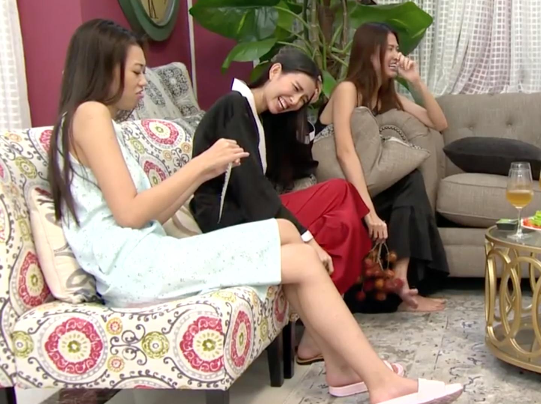 Next Top Model: Nguyễn Hợp đỏng đảnh nằm vật ra salon, không chịu chơi với team Sang - Ảnh 3.