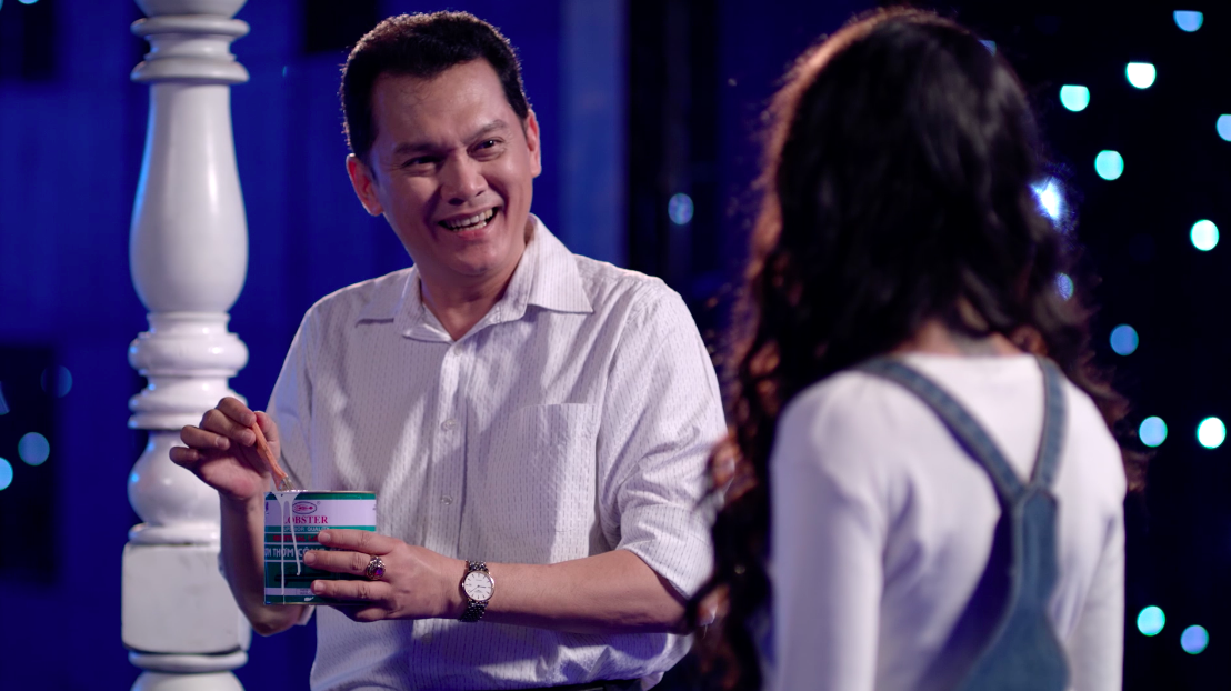 Glee Việt tuần này: Nghiêm túc đeo đuổi nhưng Hữu Vi vẫn bất lực nhìn Angela Phương Trinh ôm hôn Rocker Nguyễn - Ảnh 9.