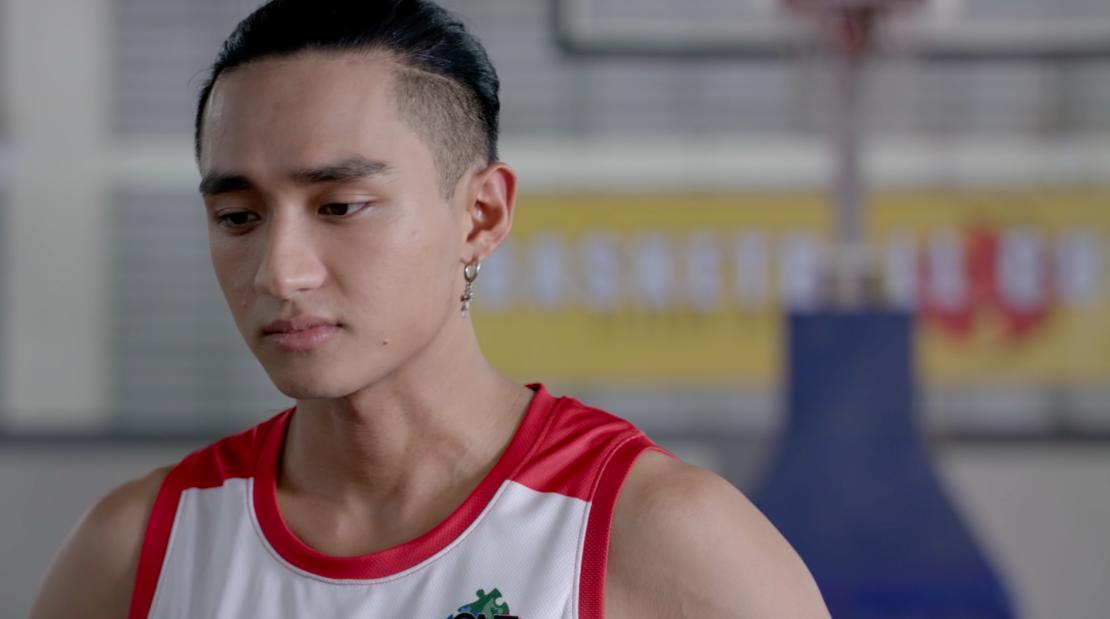 Glee Việt tuần này: Nghiêm túc đeo đuổi nhưng Hữu Vi vẫn bất lực nhìn Angela Phương Trinh ôm hôn Rocker Nguyễn - Ảnh 4.