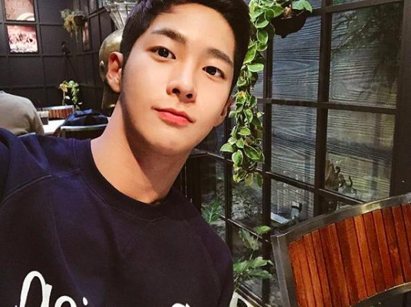 Chàng trai Hàn Quốc sở hữu mặt học sinh nhưng body phụ huynh cực thu hút - Ảnh 3.