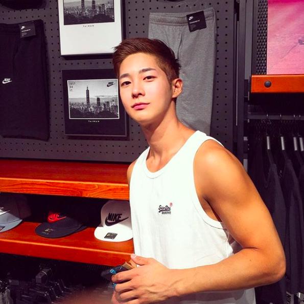 Chàng trai Hàn Quốc sở hữu mặt học sinh nhưng body phụ huynh cực thu hút - Ảnh 8.