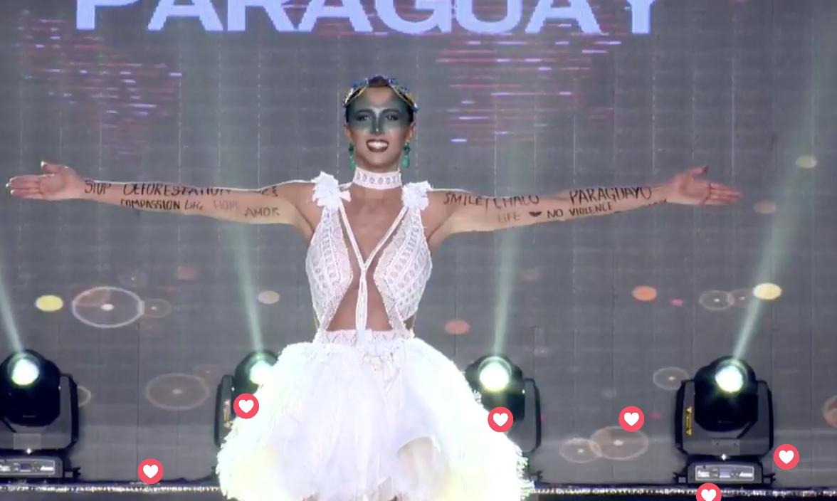 Clip: Huyền My mặc quốc phục hoành tráng, tỏa sáng trên sân khấu Miss Grand International 2017 - Ảnh 14.