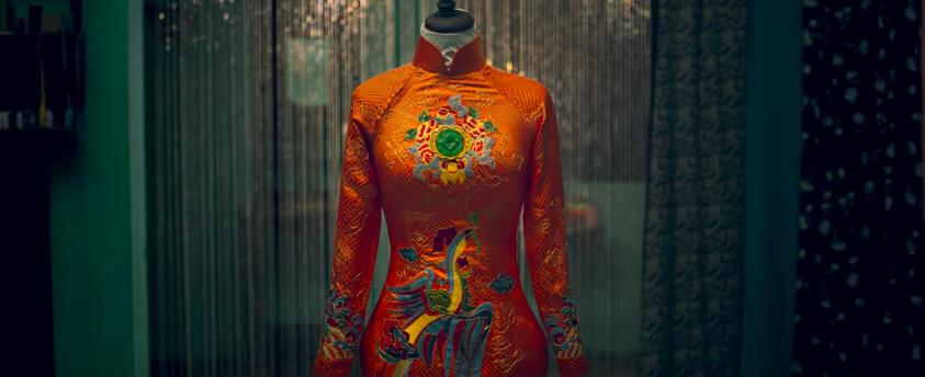 Trước Cô Ba Sài Gòn, không ít lần những tà áo truyền thống Việt Nam gây dấu ấn trên màn ảnh - Ảnh 15.