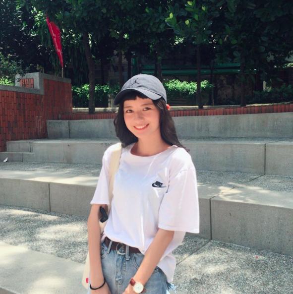 Cô bạn Đài Loan với tóc mái ngố giữa trán: Mặt đẹp thì chấp hết! - Ảnh 13.