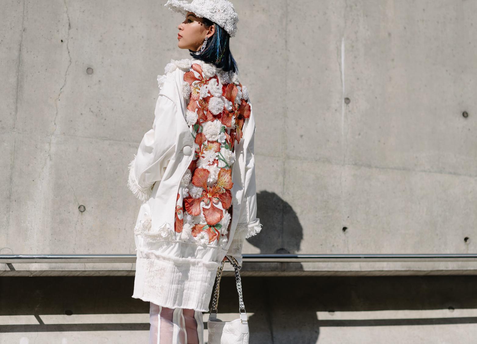 Lạc quẻ giữa một rừng streetwear, mình Diễm My diện đầm dạ hội lóng lánh - Ảnh 3.