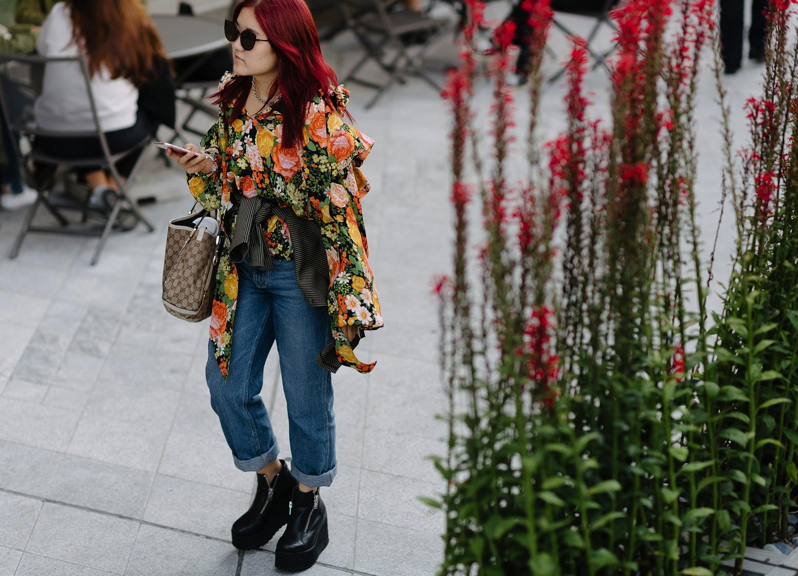 Lạc quẻ giữa một rừng streetwear, mình Diễm My diện đầm dạ hội lóng lánh - Ảnh 4.