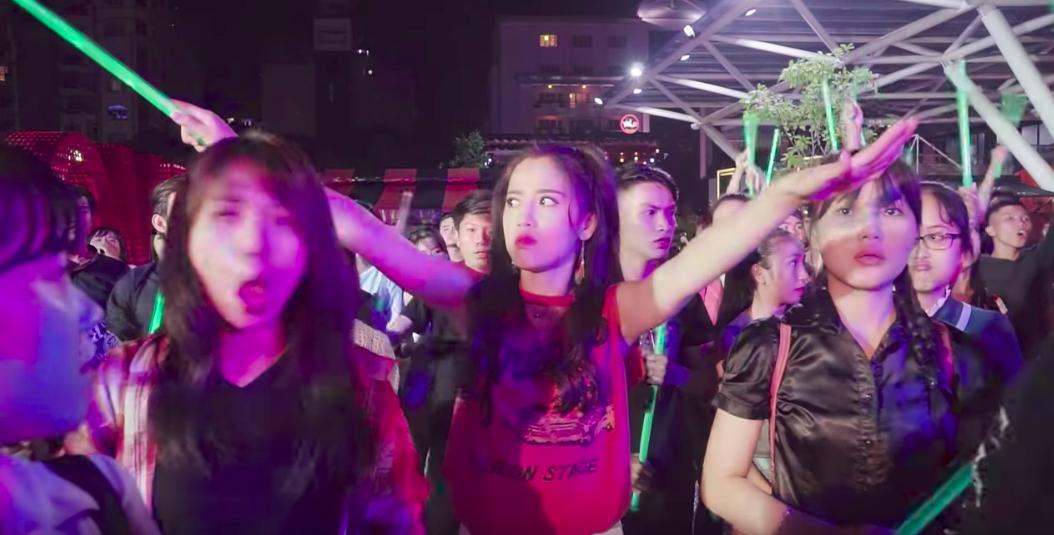 Lật mặt showbiz: Văn hoá fan cuồng gợi nhớ về những cuộc chiến FC không hồi kết của Hồ Ngọc Hà - Mỹ Tâm, Bảo Thy - Đông Nhi - Ảnh 5.