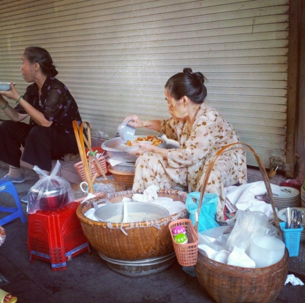 Một list hàng quà sáng chỉ bán vài tiếng cho bạn khám phá nhân ngày nghỉ ở Hà Nội - Ảnh 7.