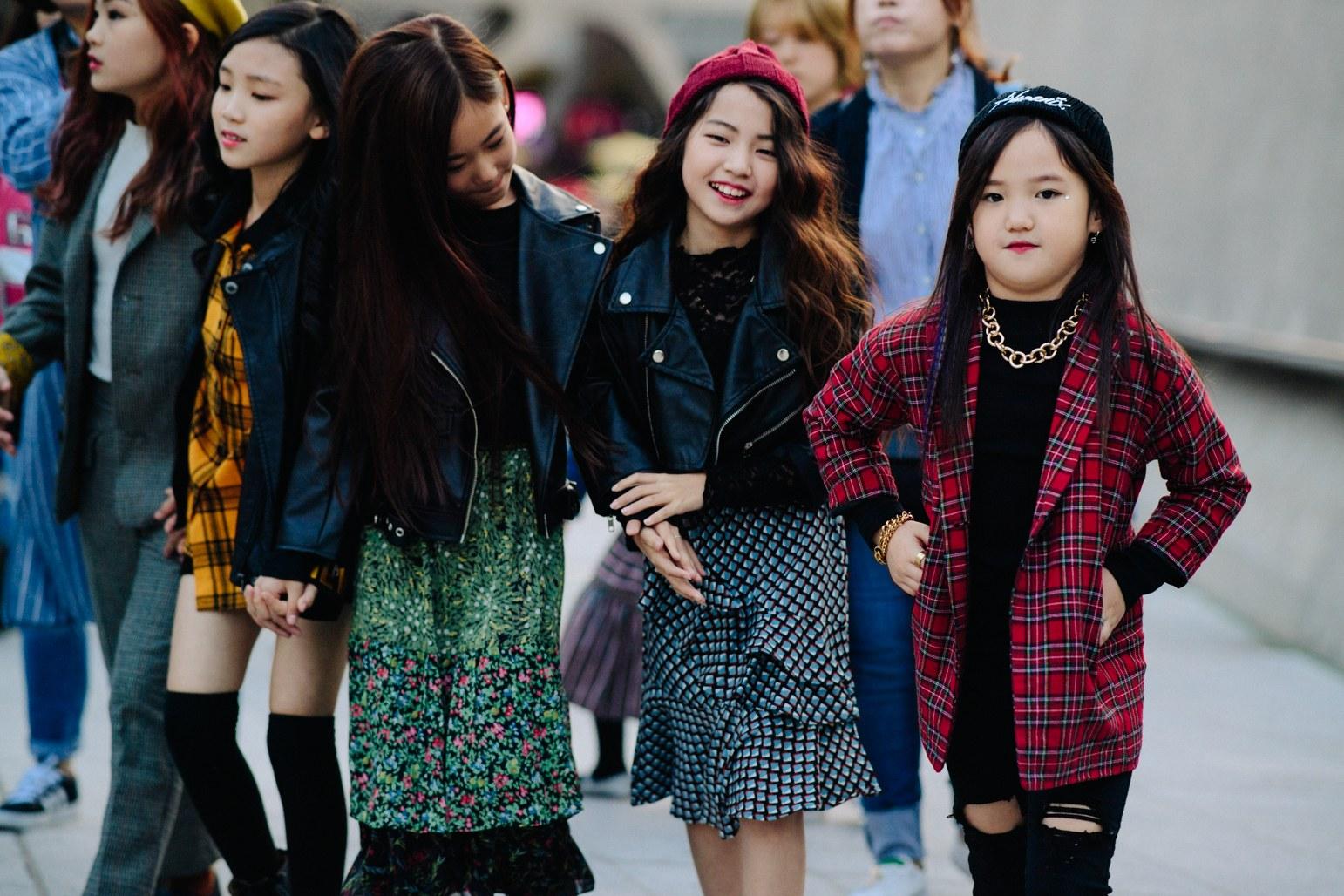 Seoul Fashion Week: Riêng về street style, giới trẻ Hàn nào có thua kém các ngôi sao nổi tiếng - Ảnh 21.