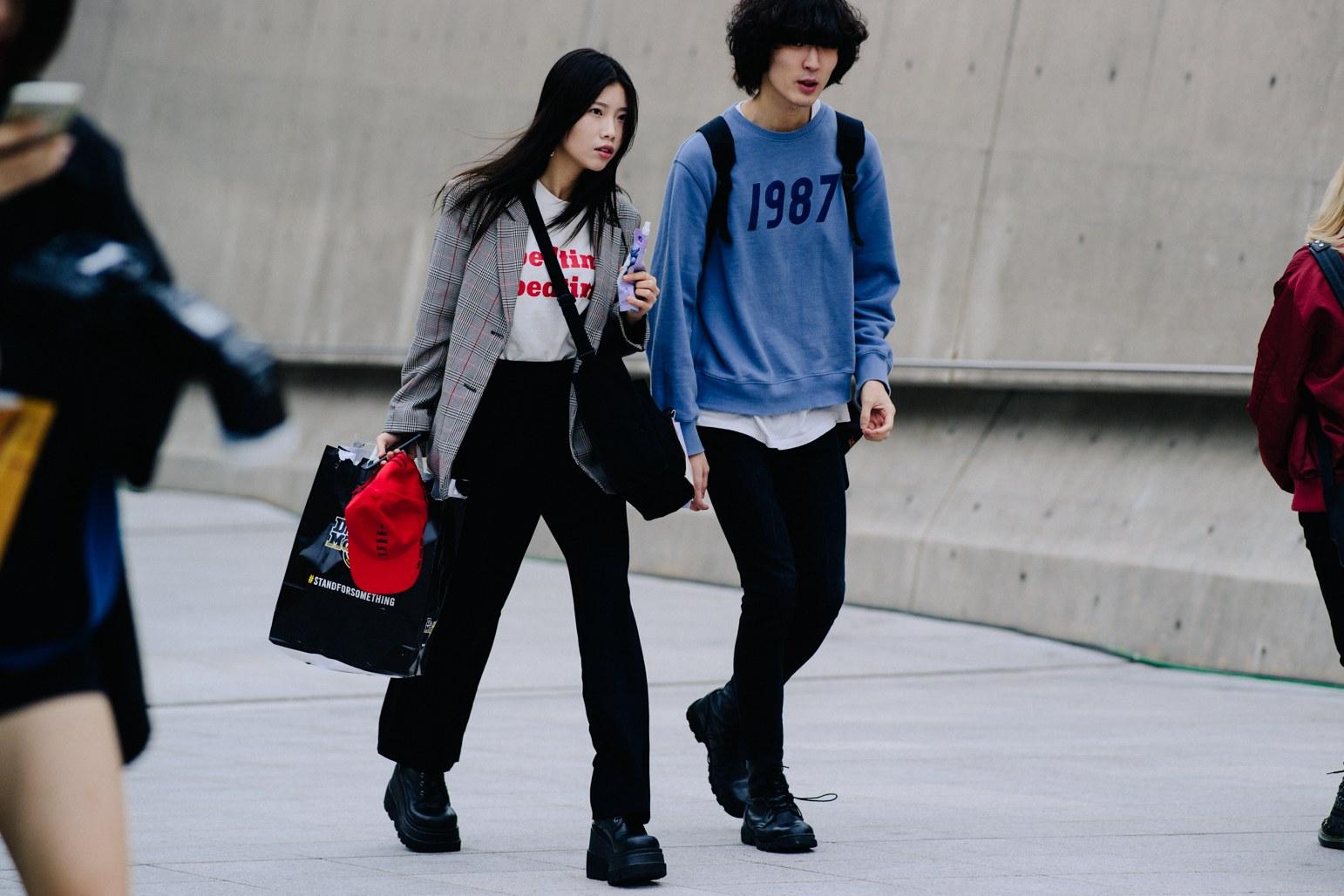 Seoul Fashion Week: Riêng về street style, giới trẻ Hàn nào có thua kém các ngôi sao nổi tiếng - Ảnh 15.