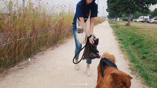 Seolhyun (AOA) bị netizen phản ứng dữ dội khi dắt chú chó cưng to bự đi dạo mà không sử dụng rọ mõm - Ảnh 4.