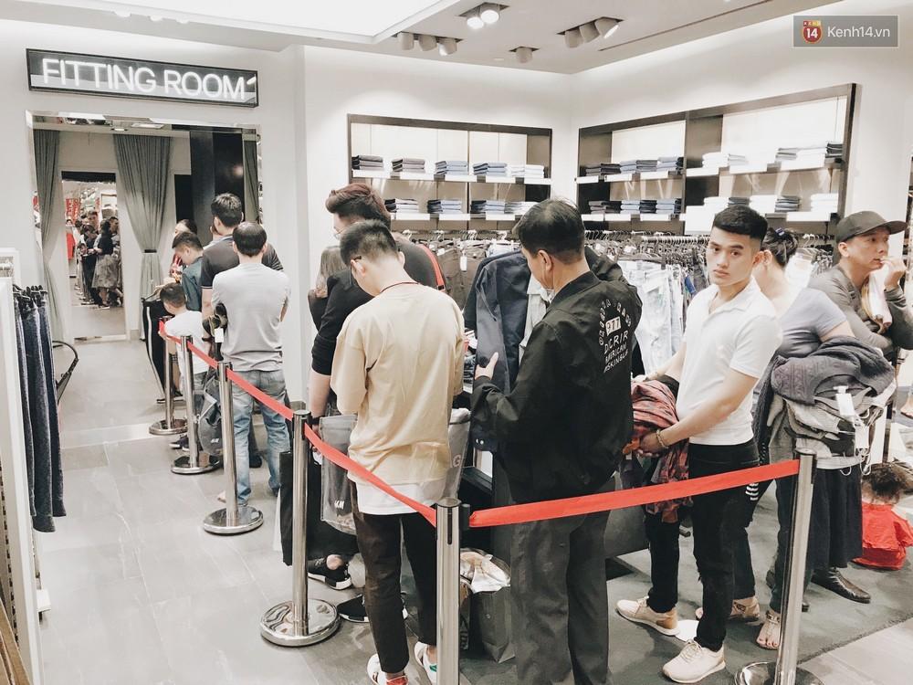 Thông báo sale tới 50%, H&M khiến tín đồ thời trang Hà Nội hụt hẫng vì sale quá ít đồ và không sale đồ Đông - Ảnh 16.