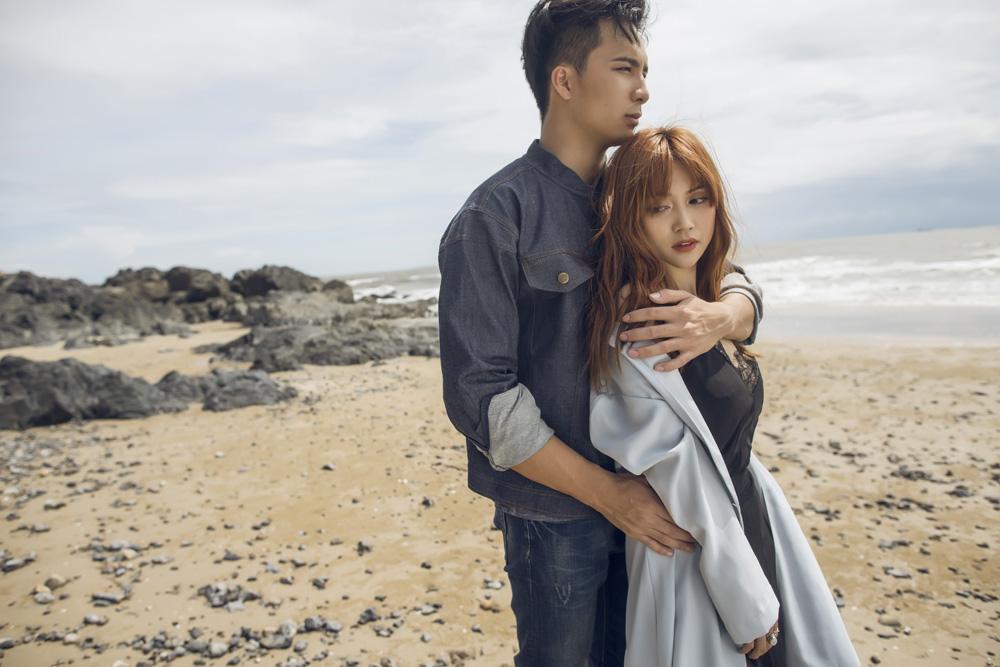 Bất ngờ về chuyện tình yêu giữa Sĩ Thanh và chàng bác sĩ 6 múi điển trai nhất Việt Nam - Ảnh 2.