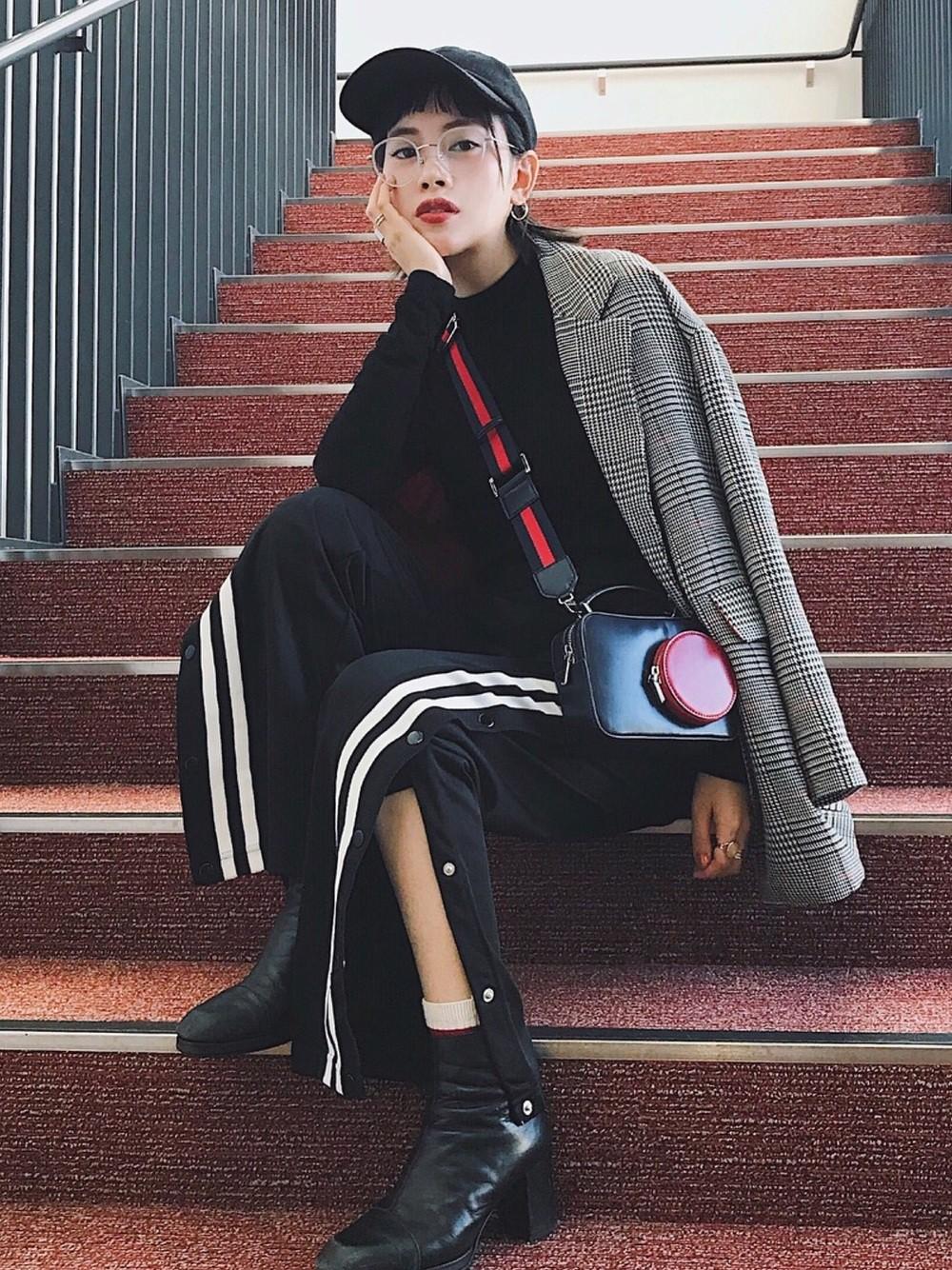 Tất tài không chỉ ấm và trendy mà còn dễ mix với đủ loại giày - Ảnh 3.