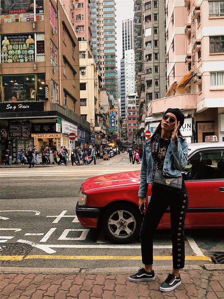 Đối chọi về âm nhạc đã đành, street style của Chi Pu - Hương Tràm cũng nghịch chiều ngược gió - Ảnh 7.