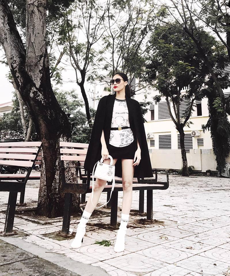 Đối chọi về âm nhạc đã đành, street style của Chi Pu - Hương Tràm cũng nghịch chiều ngược gió - Ảnh 6.