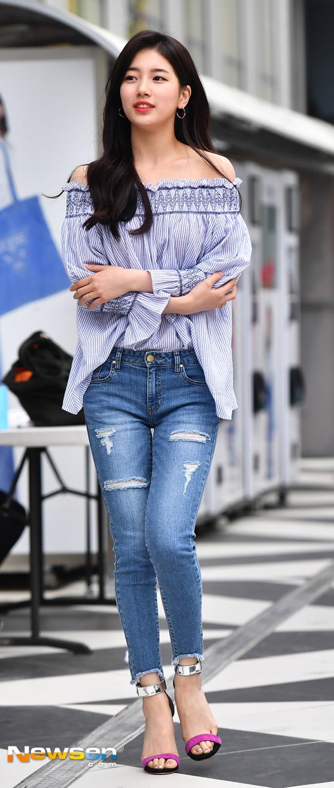 Minh Hằng & HyunA đọ trình mix đồ xuyên thấu cho street style, ai đẹp hơn? - Ảnh 14.