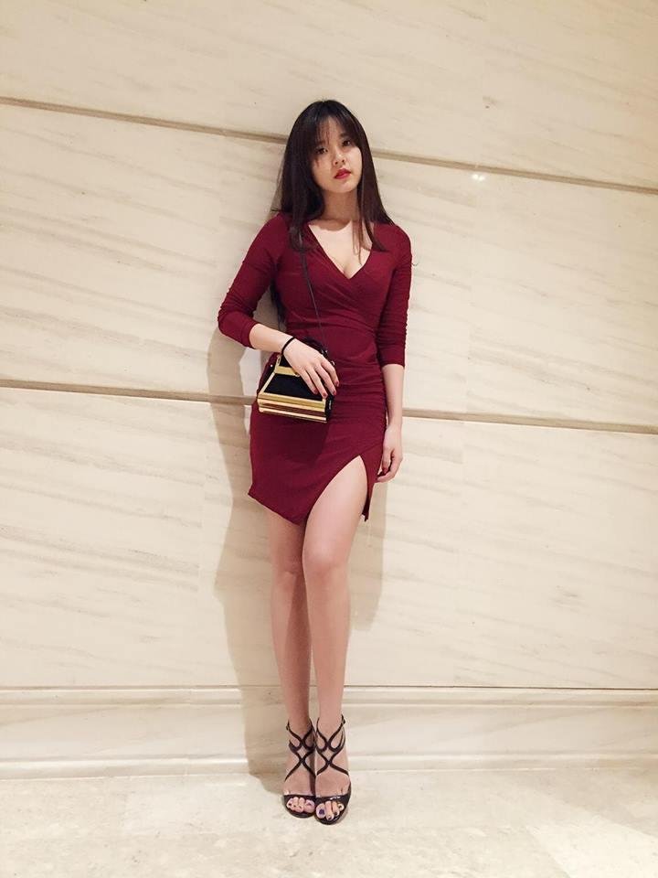 Midu, Mai Ngô, Lan Khuê sexy không đối thủ trong Top street style tuần qua - Ảnh 1.